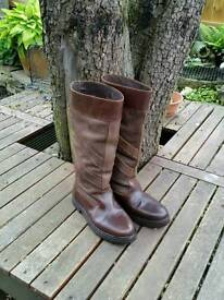 CABOTSWOOD BRECON LEATHER / BUCKSKIN OUTDOOR / COUNTY SIDE BOOTS. SIZE U.K. 9.