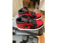 Nike Air Jordan 1 Mid Banned Bred 2020 Size UK 7.5