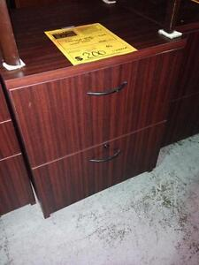 Bureau dans grand montr al meubles petites annonces for Meuble bureau guimond