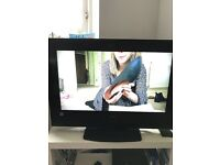 *CHEAP* 32 Inch Hitachi HD Ready LCD TV 1080p