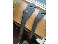 Pair of wrenches