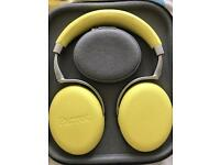 Parrot Zik 2 Bluetooth headphones yellow with parrot case