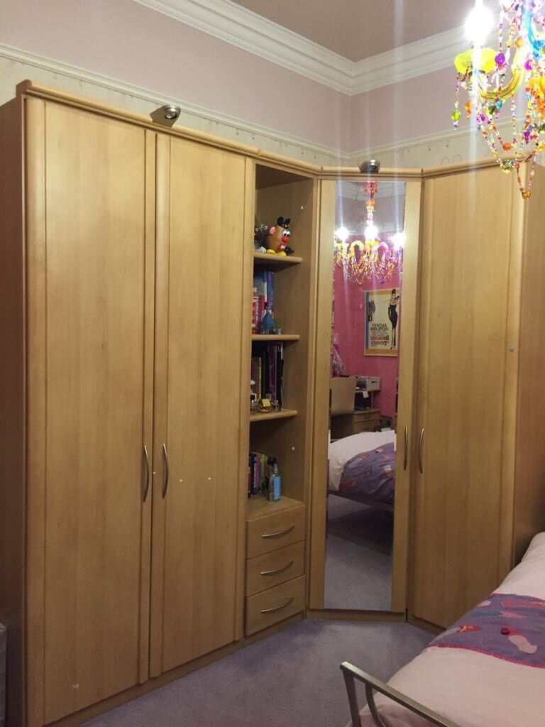 Bedroom Wardrobe Desk and Drawers Set (Open to Offers)