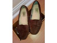 Ladies Ugg shoes