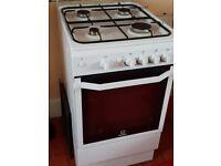 Indesit gas cooker