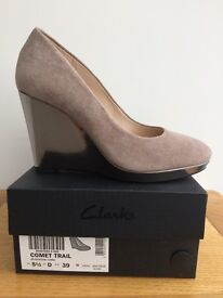 New Ladies Clarks wedge shoes size 5.5