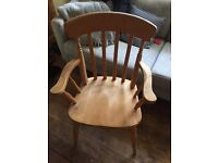 6 solid wood table chairs – 4 chairs / 2 carvers (6 chairs in total) great condition