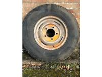 Land Rover 1 tyre & tyre& rim