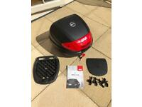 Givi E300N2 Monolock Top Case / Top Box 30L