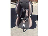 MaxiCosi Childs car seat.