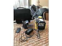 SONY Handycam DCR-TRV22 - With SONY SPORTS waterproof case