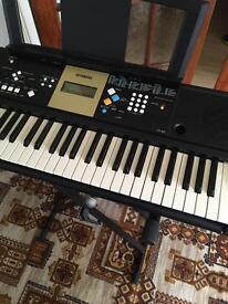 Yamaha YPT-220 electrical keyboard