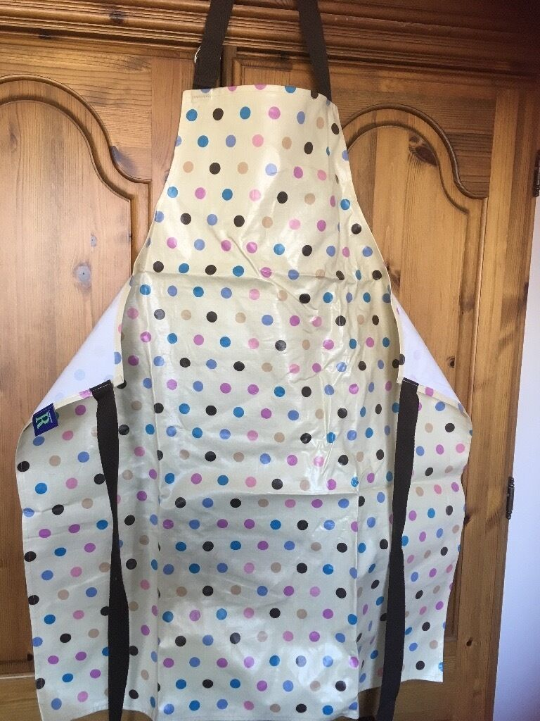 White apron glasgow