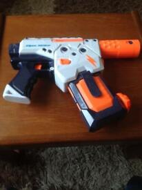 SUPER SOAKER WATER GUN NEW AND FULLY WORKING