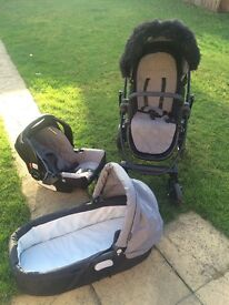 Graco Maxmum 3 in 1 travel system In great condition