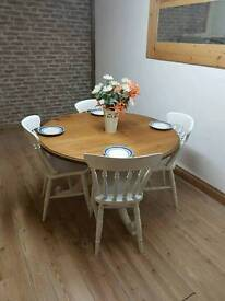 Round kitchen dining table and chairs