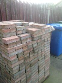 Brindle block paving 200x100x50 roughly 900