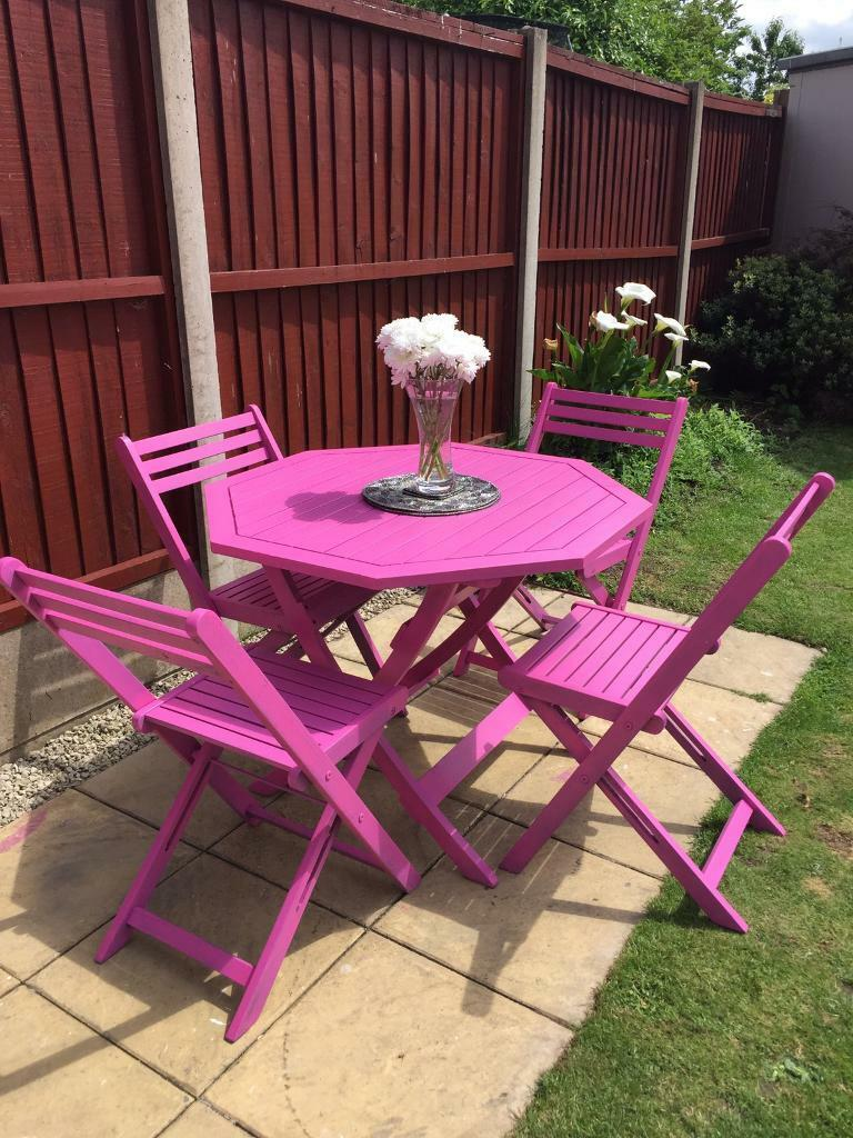 High Quality Rare Funky Pink Garden Furniture Set. Solid