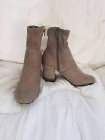 Size 6 suede boots from new look