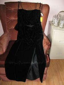 Velvet gown by Selina - Size 8