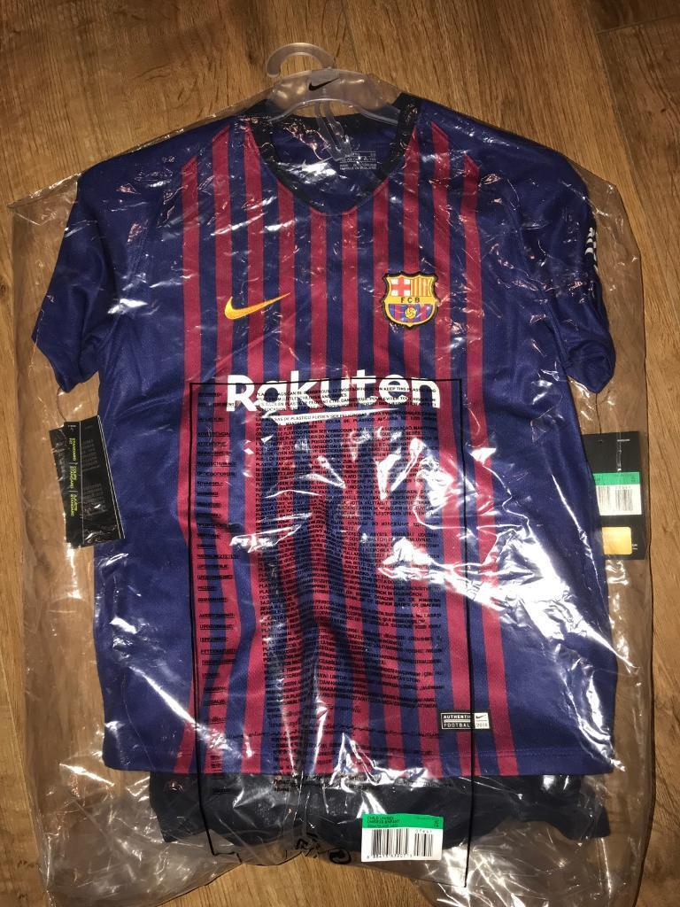 Barcelona home kit 2018 2019 (latest) younger boys 7-8 years old with Messi  10 - Genuine from Nike 4af0f8da8