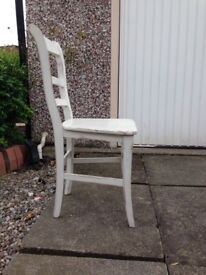 4 painted wooden dinning room chairs