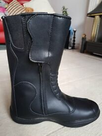 BRAND NEW RICHA MOTORCYCLE BOOTS, BNWT