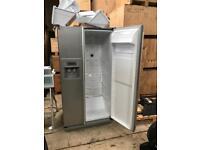 Samsung Fridge Freezer with water and ice