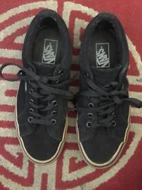 Men's VANS trainer shoes size uk-7 wore only few times, like new!