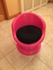 Pink storage chair
