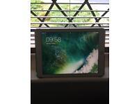 IPad Pro 9.7 32gb Rose Gold WiFi and 4g unlocked