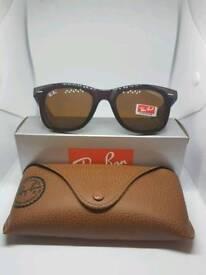 Ray-Ban wayfarer sunglasses brown