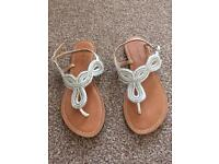 Size 4 ladies new look sandals, worn twice, very good condition.