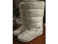 White Gore Tex women's snow boots. Cosy interior. Size 7D, barely worn