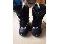 Burton Mission Bindings and Salomen F20 Boots UK 8 with Nitro Snowboard 161