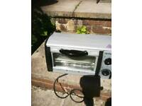 Camping 800w grill and oven