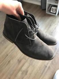 Grey size 7