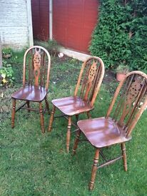 """""""Old Charm"""" Spindle-Back Wooden Dining Chairs"""