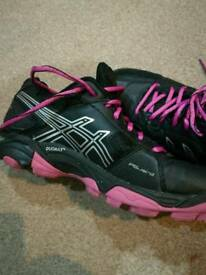 Asics gel woman trainers size uk 5