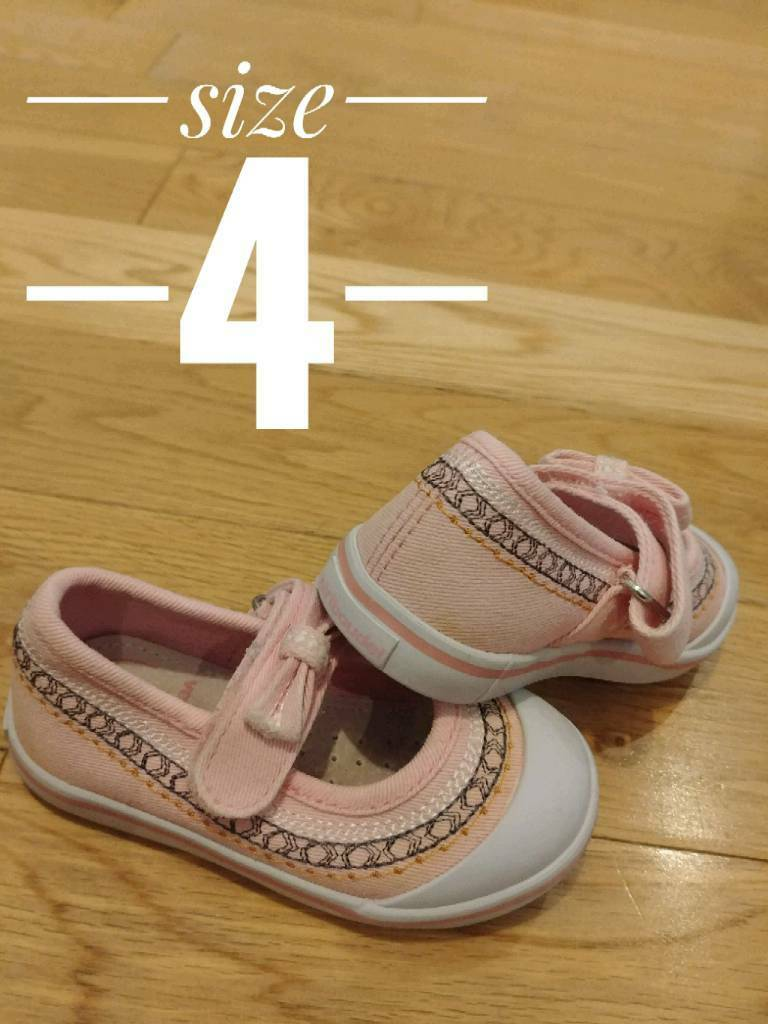 9efb2381d18f5b Girls toddler shoes sizes 4