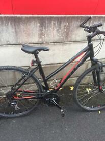 """Cube ltd cls 28"""" ladies women's Mountain Road hybrid bike not 26"""" specialized cannondale voodoo"""