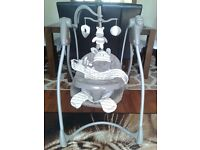 Baby swinging bouncer, swinging musical chair