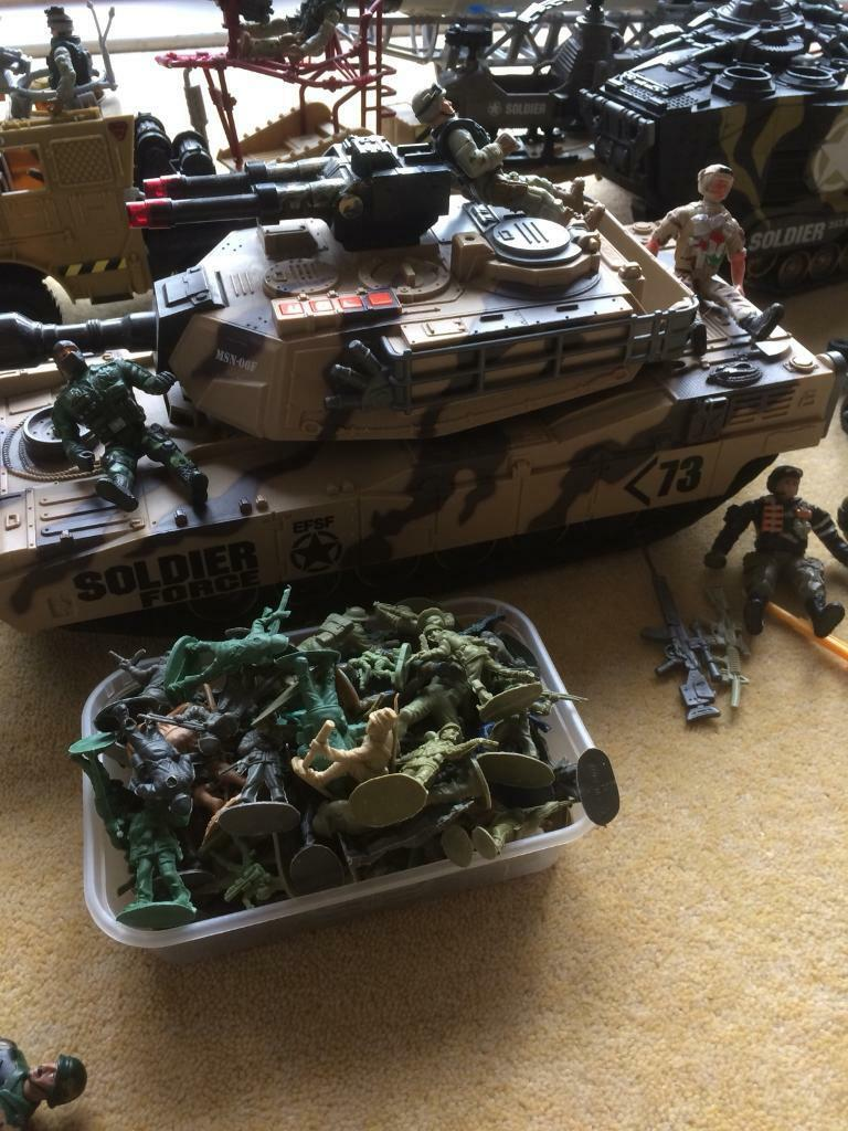 ARMY SOLDIER TANKS MISSILE CARRIER FIGURES