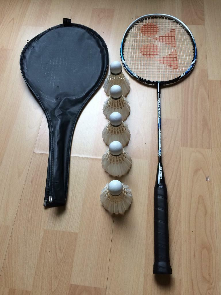 Two badminton racquets and five feather shuttlesin Staines upon Thames, SurreyGumtree - Two badminton racquets and five feather shuttles.Racquets are in great condition and the shuttles are unused
