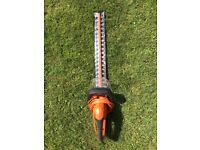 Electric Hedge Trimmers, Almost New, Black & Decker GT6060 600W, 60CM with 25mm Blade Gap