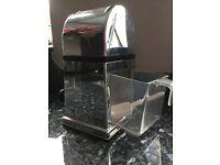 Manual Ice Crusher Machine with Stylish Mirrored Finish