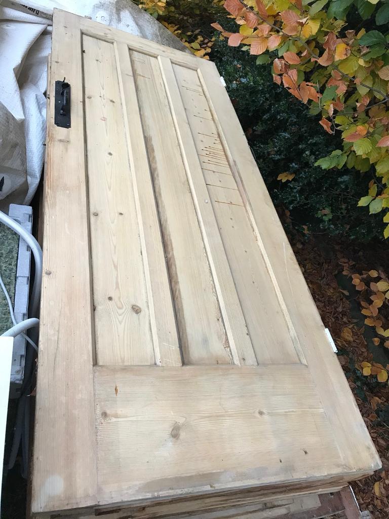 Stripped pine doors (internal)