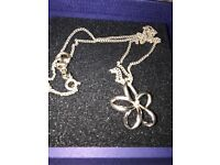 Hot diamond flower necklace