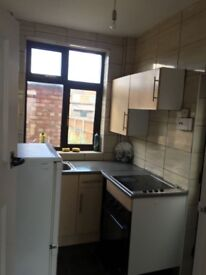 3 Bedroom Semi Detached Property In LE4 Area With Front & Rear Garden £750 PM