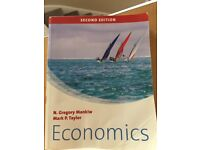 Mankiw and Taylor: Economics(slightly worn)